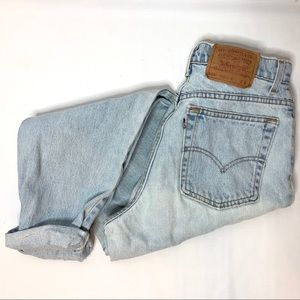 RARE VINTAGE LEVI's 550's Hi-Rise Light Wash Denim